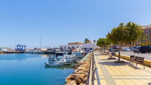 Puerto de Roquetas de Mar