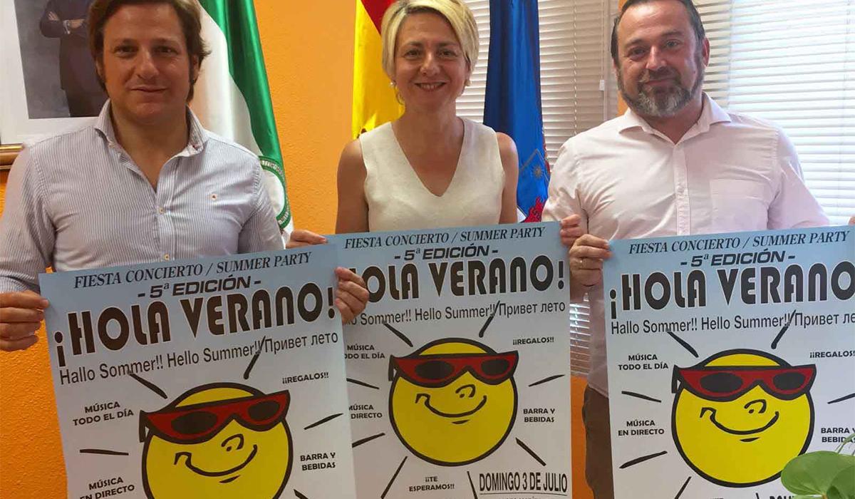 Roquetas de Mar da la bienvenida a la temporada estival con la fiesta 'Hola Verano'