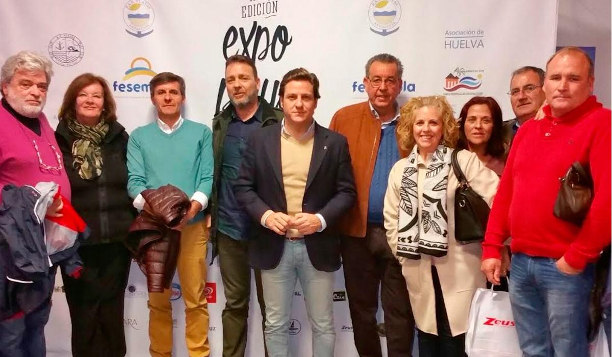 El concejal de Comercio, Turismo y Playas apoya a los empresarios de playa de Roquetas en la Expoplayas 2017