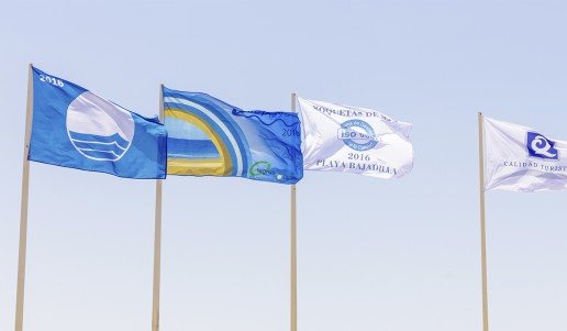 banderas playa roquetas de mar