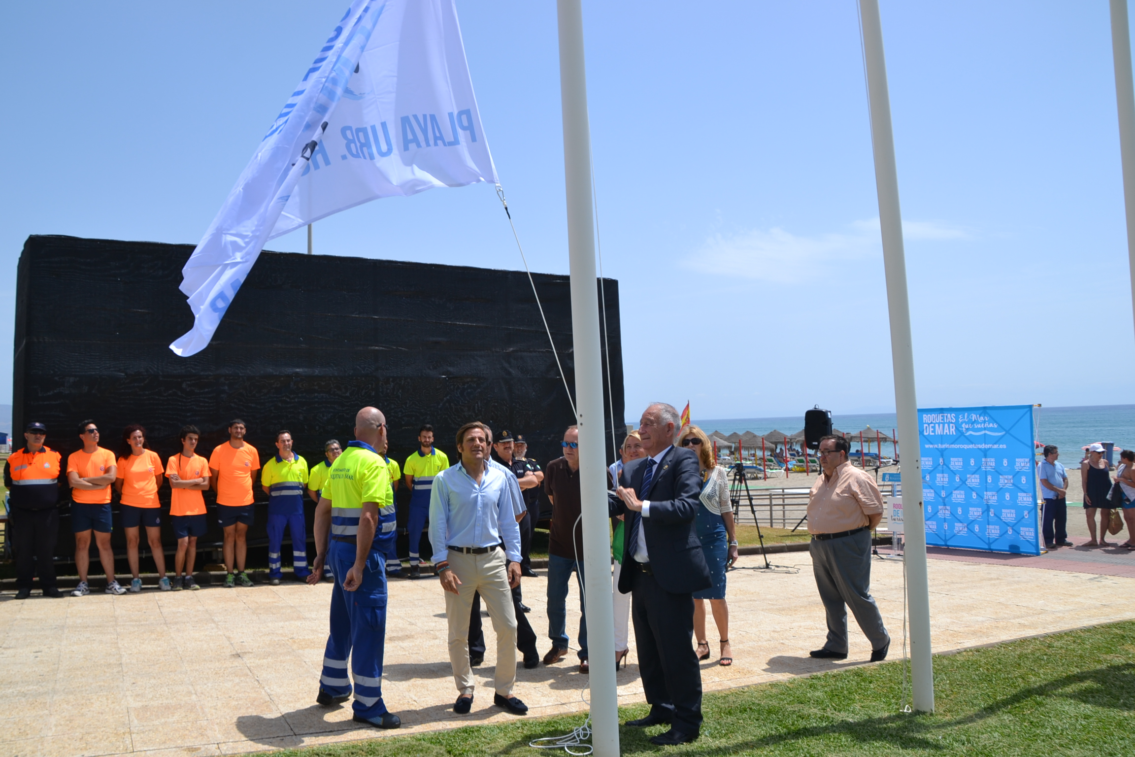 Las playas de Roquetas lucen 28 distinciones, dos más que en 2016, que demuestran la calidad de su gestión