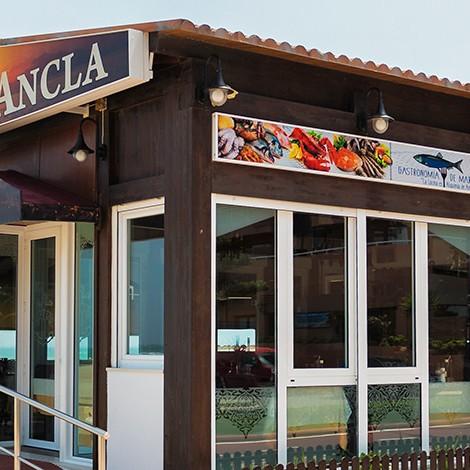 Chiringuito Ancla en Playa Serena