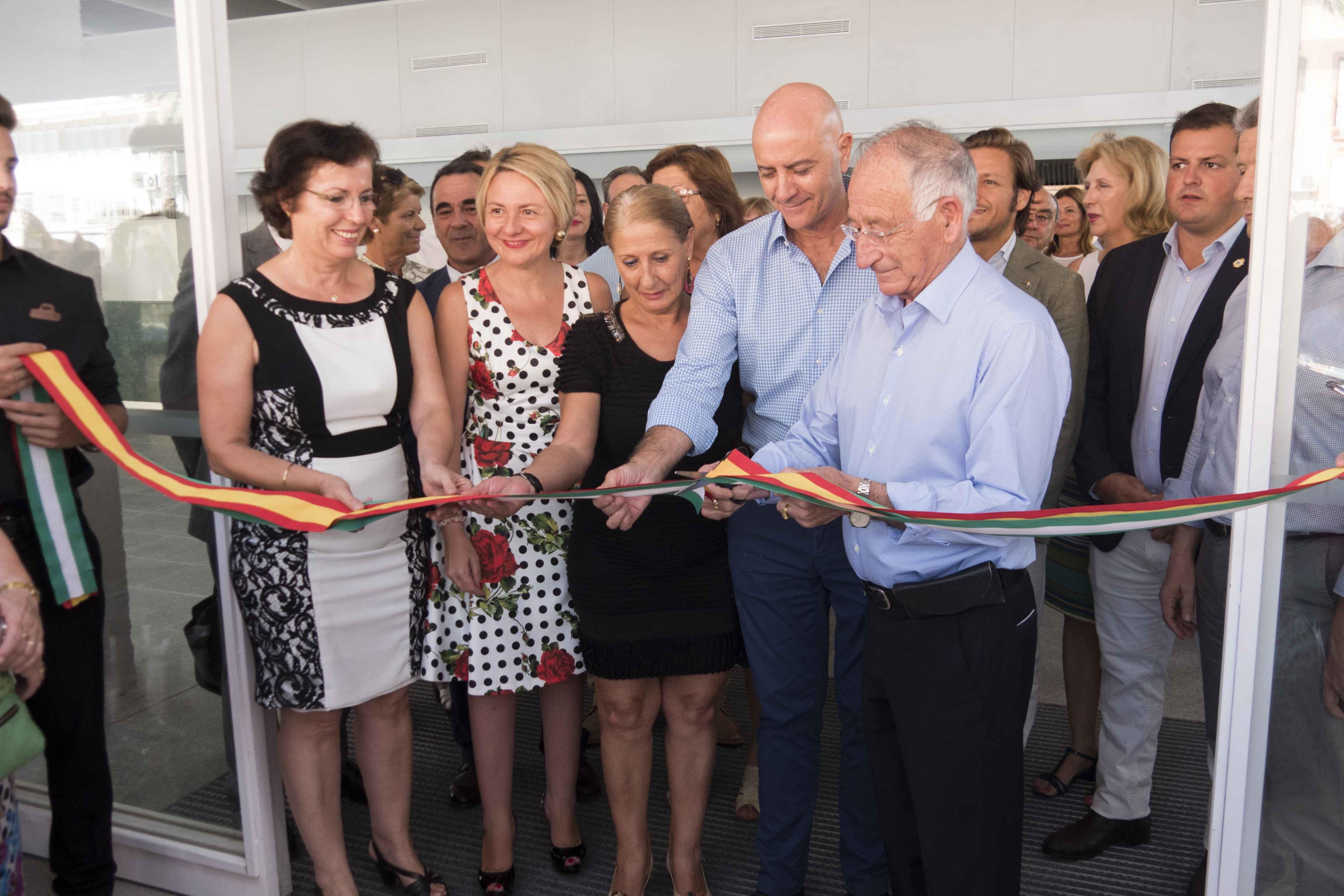 Inaugurado el Mercado de Abastos de Roquetas