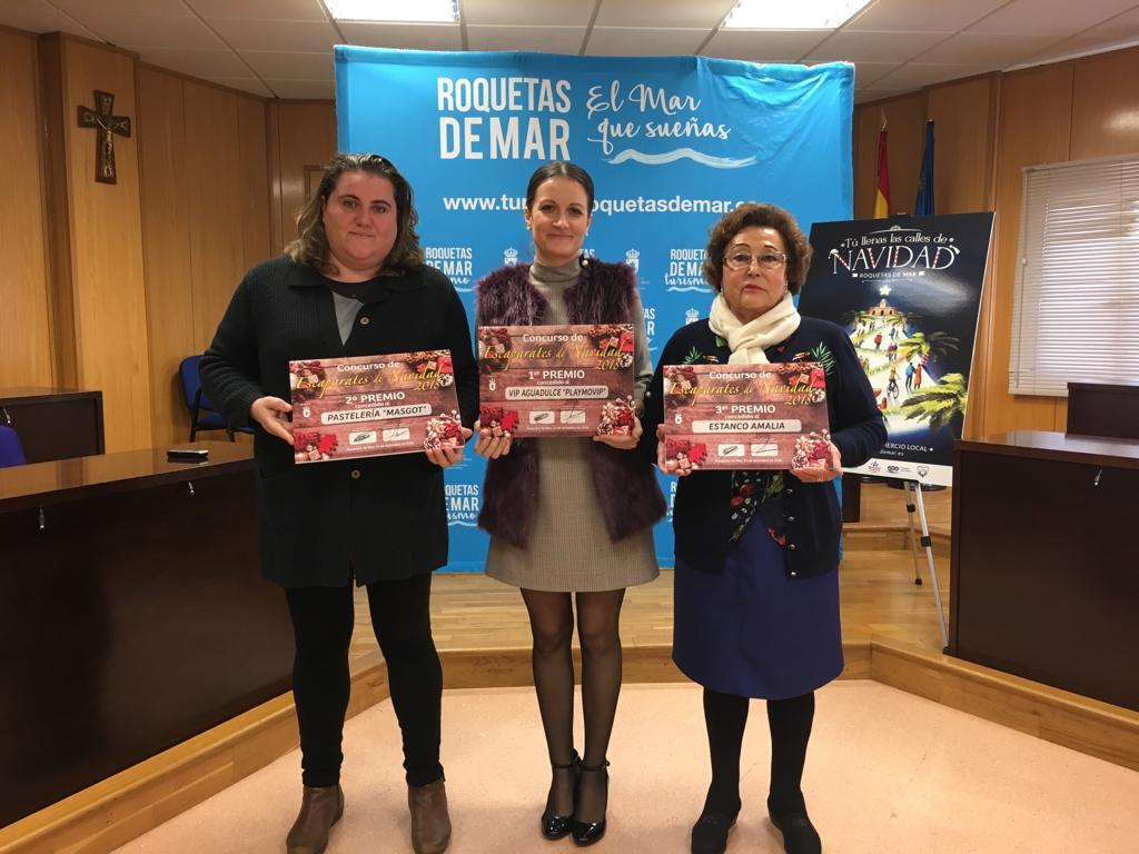 Entregados los premios de los concursos de Belenes y Escaparates de Navidad de Roquetas de Mar