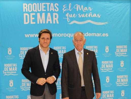 El concejal de Turismo y el alcalde de Roquetas han anunciado los premios Castillo de Las Roquetas 17012019.JPG