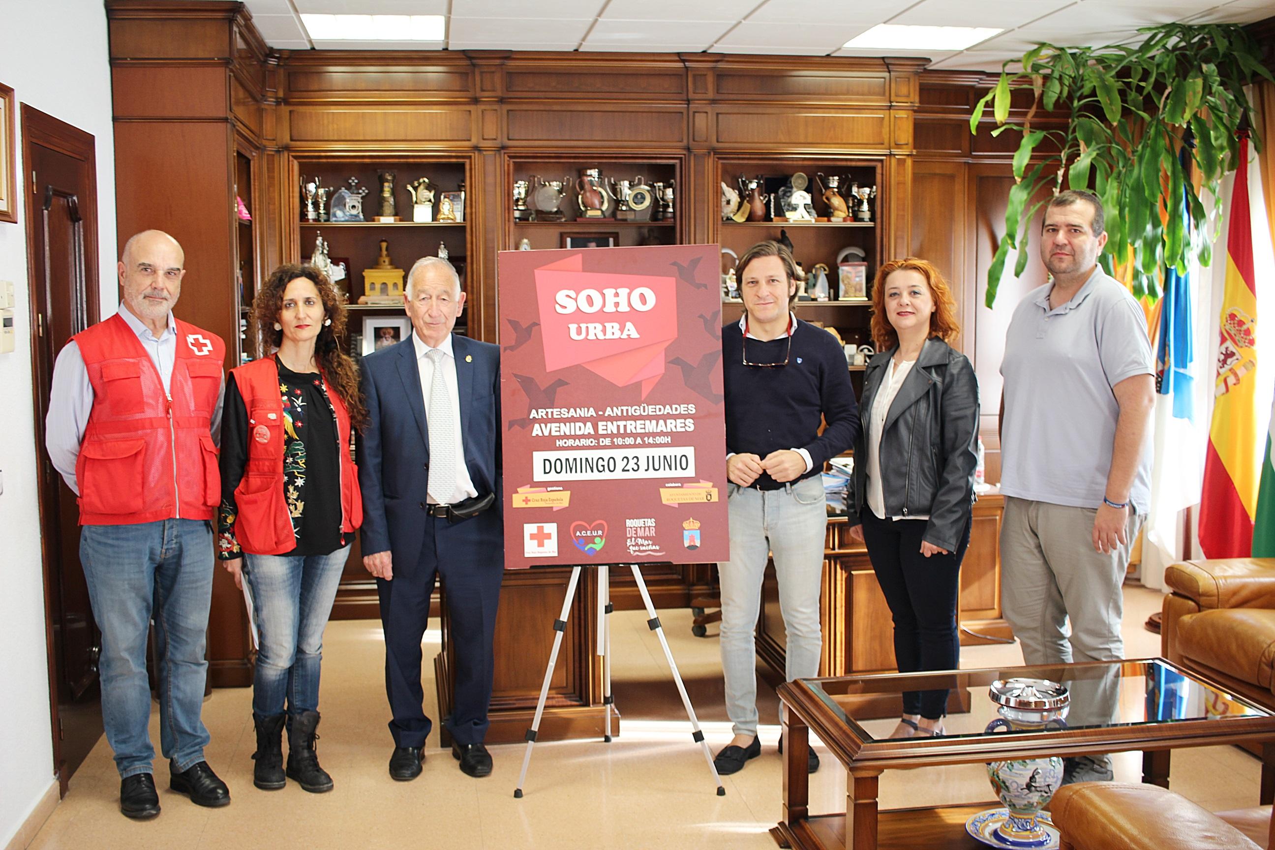 El mercadillo solidario de Artesanía y Antigüedades llega a la Urbanización