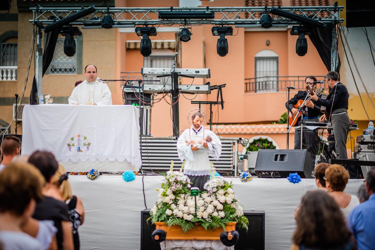 La Cañaílla se despide de sus fiestas con la procesión en honor a San Cayetano