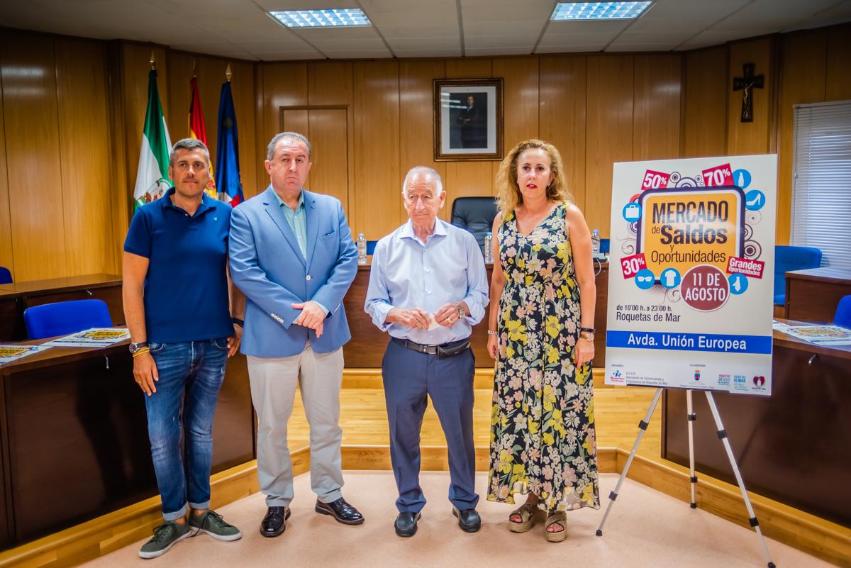 Los comercios de Roquetas celebran el próximo 11 de agosto una nueva edición del Mercado de Saldos