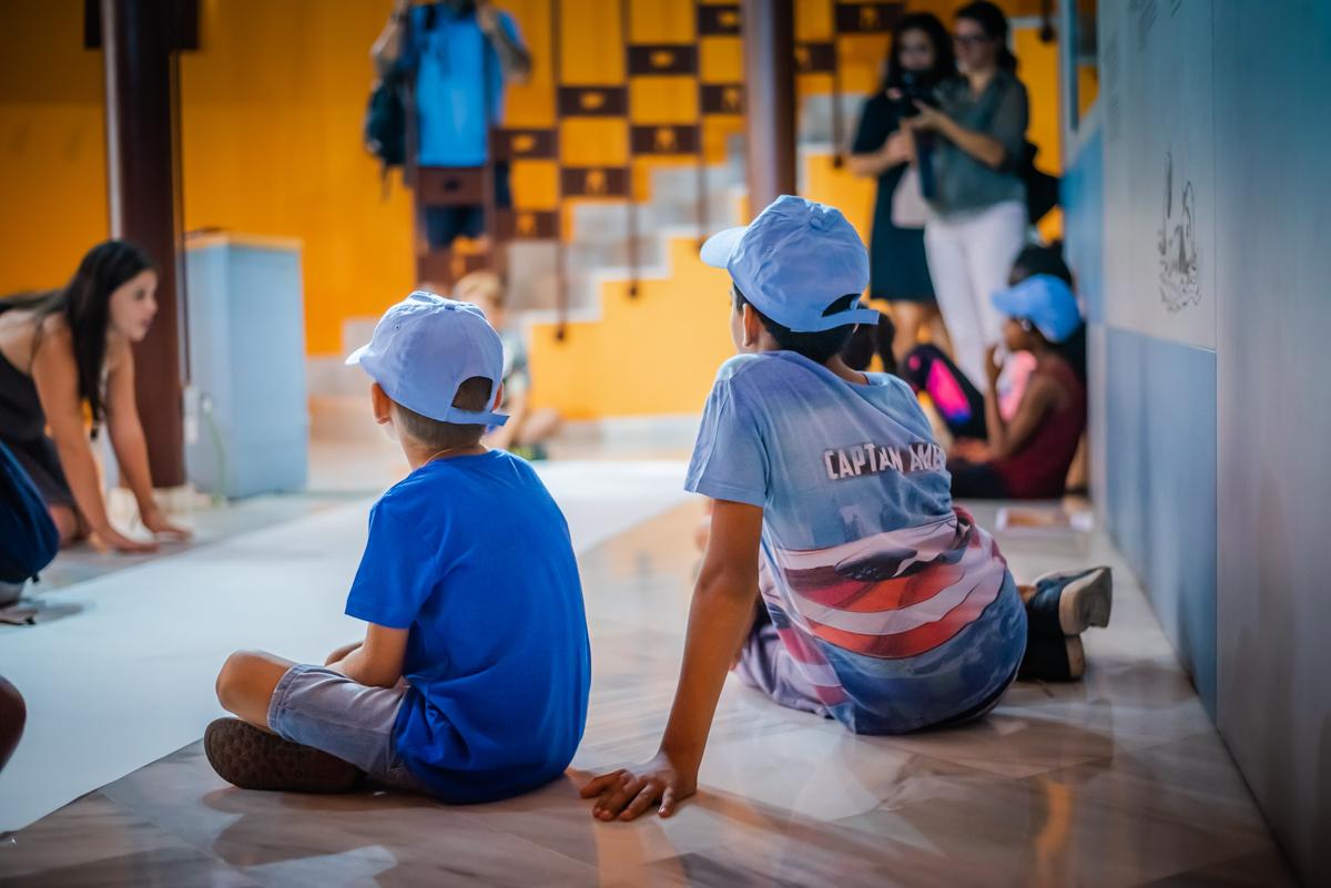 Los talleres en familia llevan al Castillo de Santa Ana los juegos que divertían a los niños hace 2.000 años