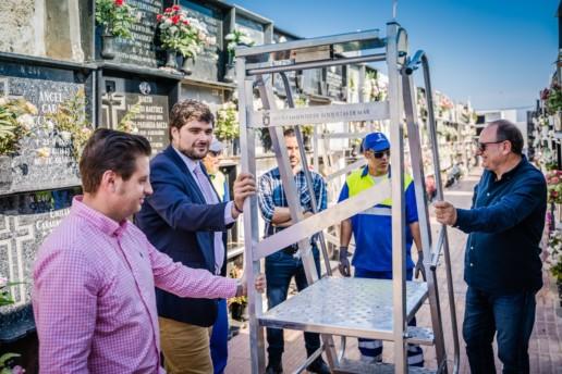 Preparativos cementerio de Roquetas de Mar por el Día de los Difuntos - Turismo Roquetas de Mar